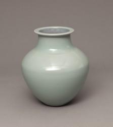 DEBLANDER Robert - Vase balustre col méplat céladon brillant