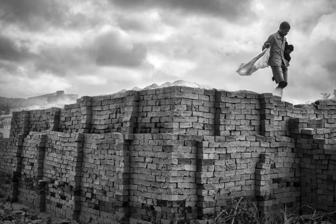 Série briques, Fianarantsoa, 2013 - n° 1/15 - MEN_PIERROT_169