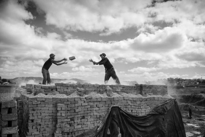 Série briques, Fianarantsoa, 2014 - n° 1/15 - MEN_PIERROT_175