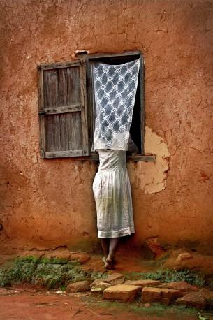 Série fenêtre, Soatanana - 2002 - PIERROT_MEN_220