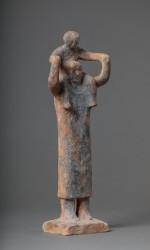 Femme enfant sur les épaules