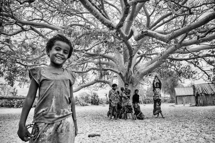 La Tour Eiffel du village, Marolinta, région Androy, Madagascar, n° 1/30 - 2018 - PIERROT_MEN_257cde