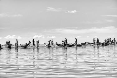 Les piroguiers de l'estuaire, Mananjary, Madagascar, n° 1/30 - 2014
